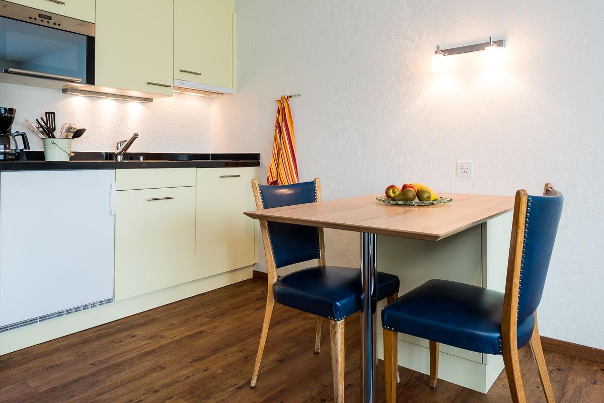 R servez un studio de vacances saas fee pour 1 2 personnes for Cuisine agencee prix